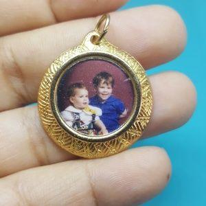 Vintage goldtone photo frame pentant